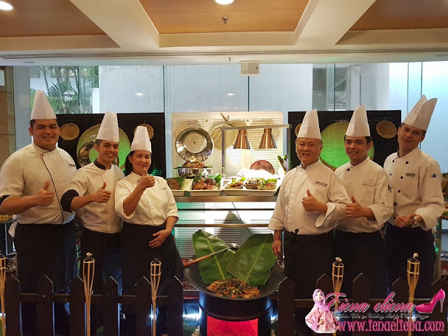 Chef Chew Teik Chye , chef Mommy dan Team