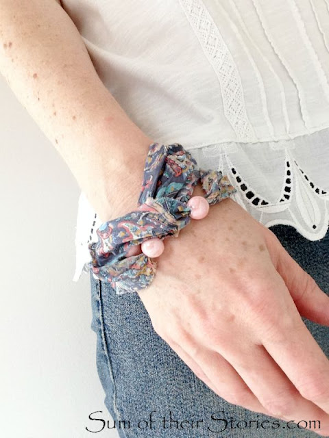 Tutorial Liberty Fabric and bead bracelet