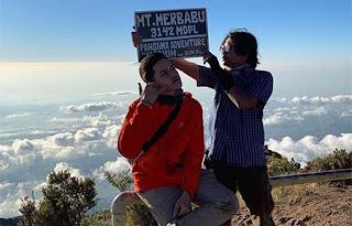 Jeremie Moeremans di Gunung