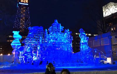 北海道の動物キャラの氷像