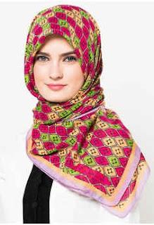 Jilbab Zoya Terbaru Segi Empat