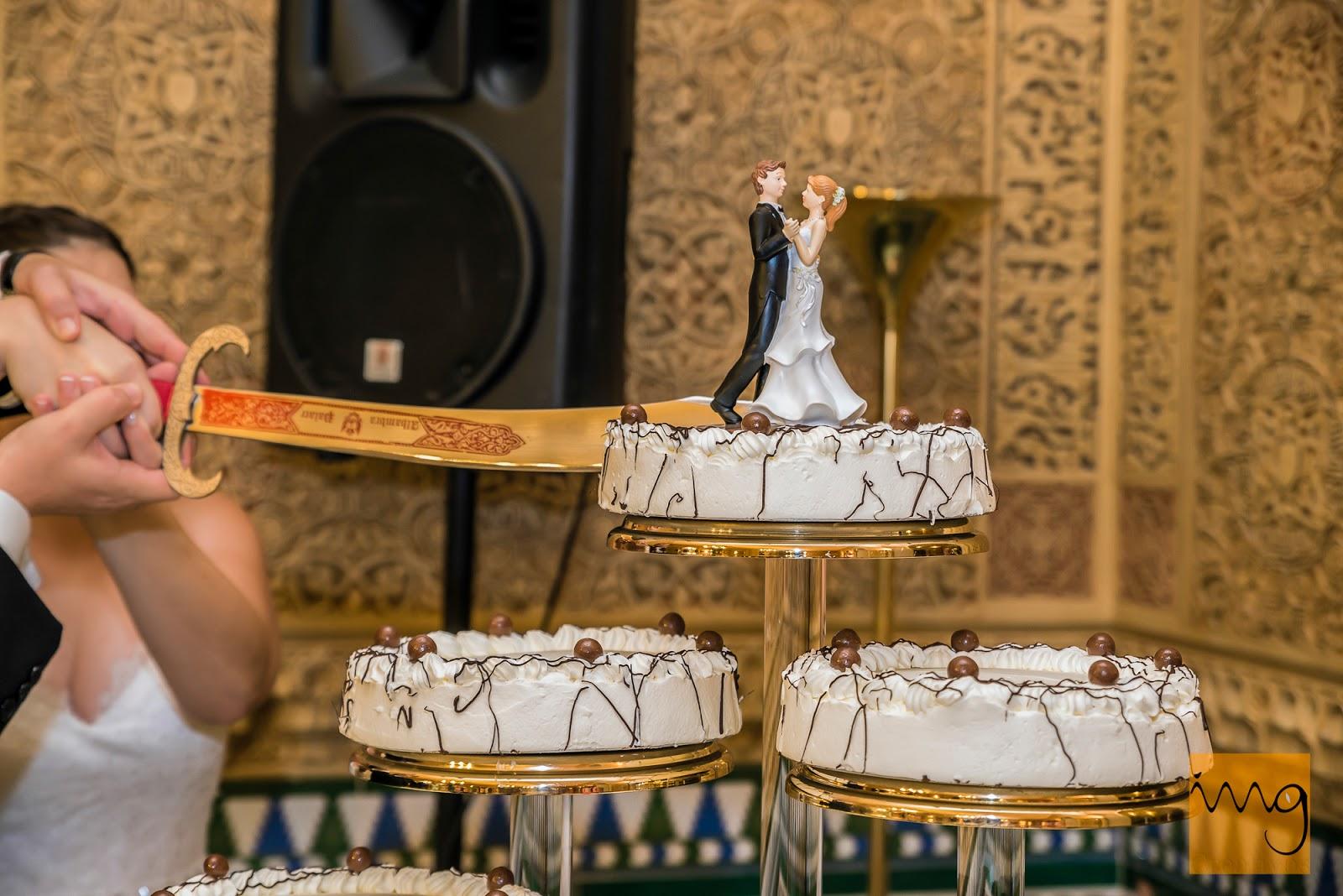 Fotografía de boda, cortando la tarta