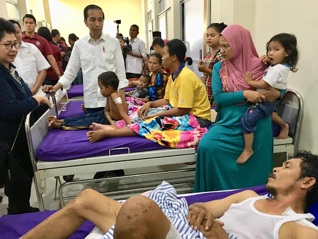 Kunjungi RSUD, Presiden Jokowi Dengar Kisah Bocah Korban Tsunami Yang Selamat