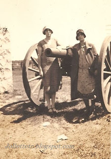 Virginia Cole and Olive Williams at Gettysburg, August 1925