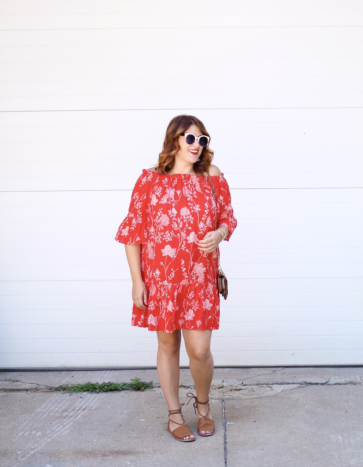 maternity style, red hair, off the shoulder, casual outfit
