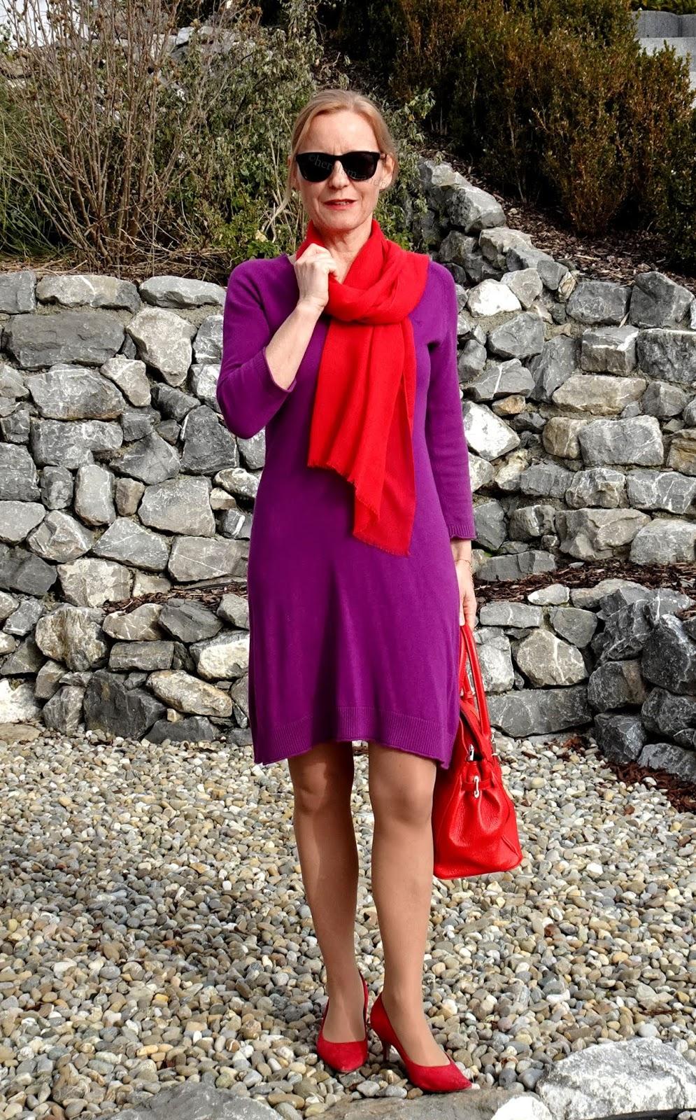 kräftige farben kombinieren - lila und rot