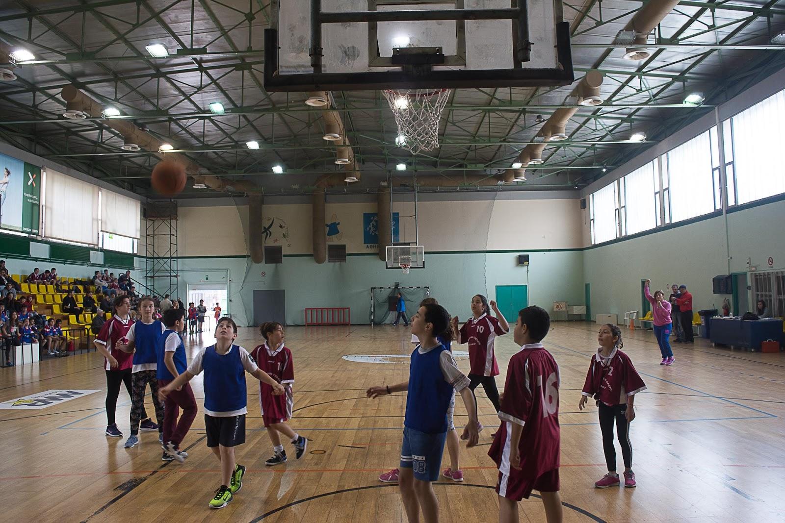 ... αγώνες μπάσκετ με τη μικτή ομάδα αγοριών και κοριτσιών.Οι αγώνες έγιναν  στο Εθνικό Στάδιο Χανίων και η ομάδα μας  8e0b4424762