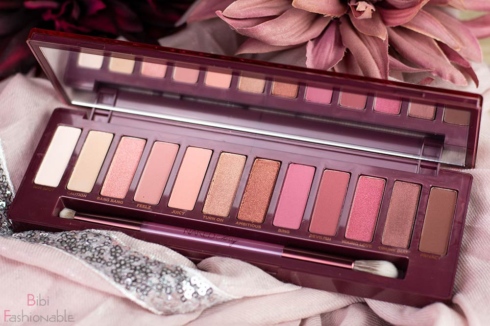 Urban Decay Naked Cherry Palette offen