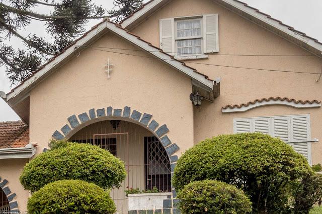 Casa na Rua Desembargador Isaías Bevilaqua - detalhe ornamento de ferro