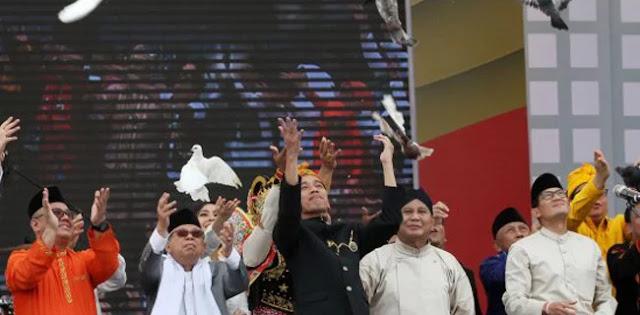 Apakah Tuhan Sedang Bicara pada Rakyat Indonesia lewat 'Delapan Tanda'?