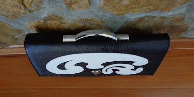 Tildy bags black and white - Mala preta e branca com asa de inox