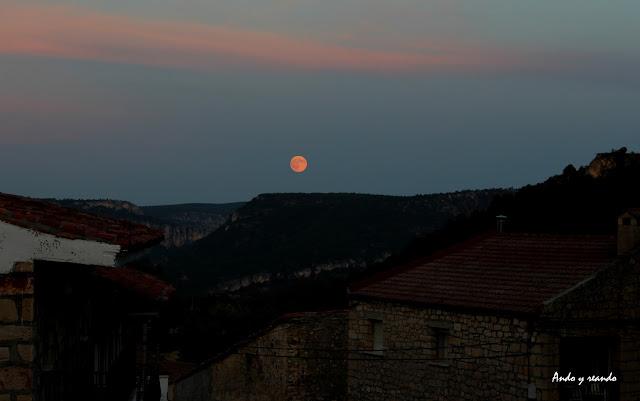 Luna llena en la Fiesta e los Gancheros del Alto Tajo