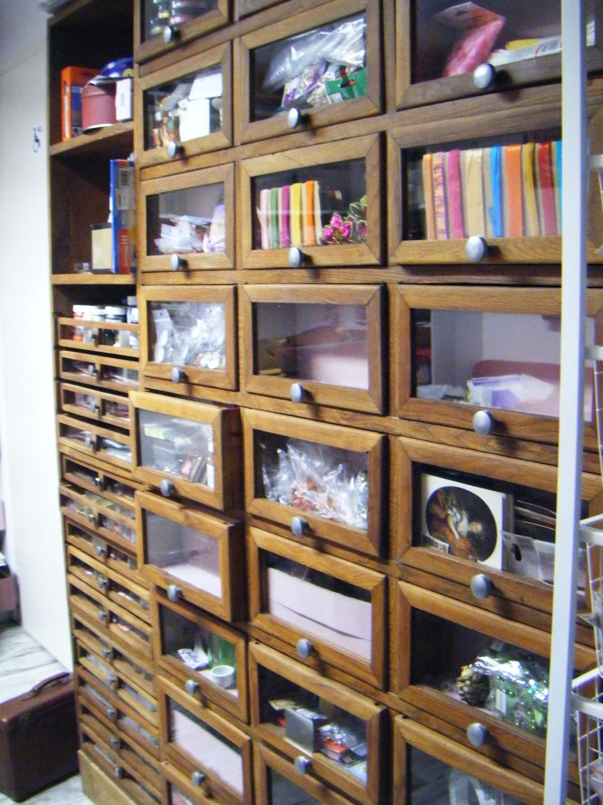 les causeries de martine le meuble mercerie. Black Bedroom Furniture Sets. Home Design Ideas