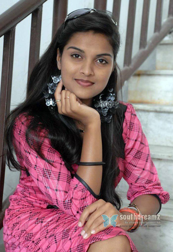 Cute Girls Hot Desi Babes 18
