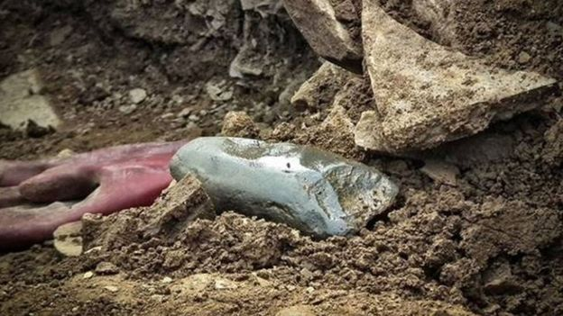 Over 30 stone axes found at Neolithic site in Orkney