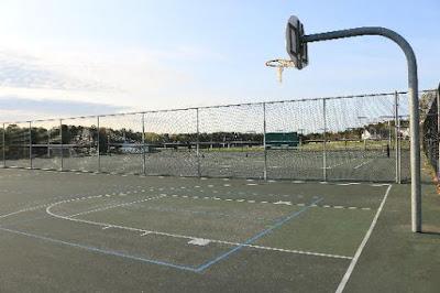 Quashnet courts