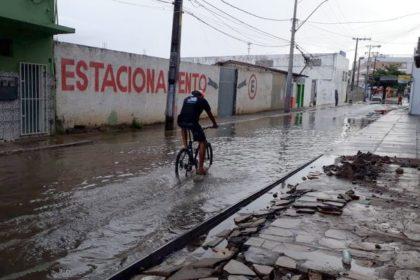 Chuva na Zona Leste: ruas ficam alagadas em Vitória da Conquista; veja as imagens