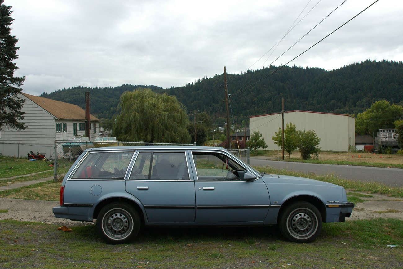 Cavalier 1982 chevrolet cavalier : OLD PARKED CARS.: 1983 Chevy Cavalier Cadet Wagon.