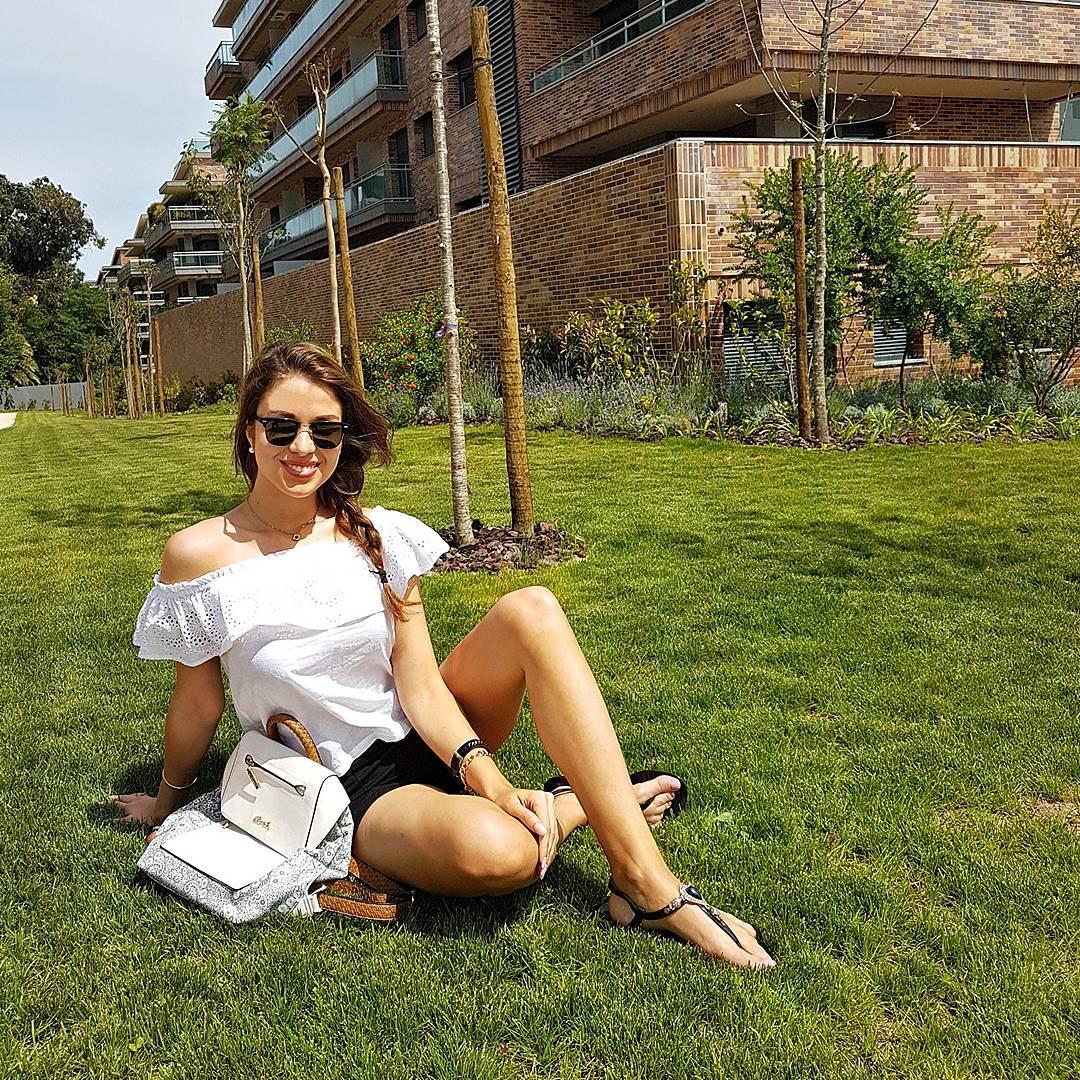 Catarina Sikiniotis outside photoshot