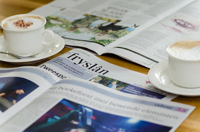 Καφές κι εφημερίδα ως συνήθως.