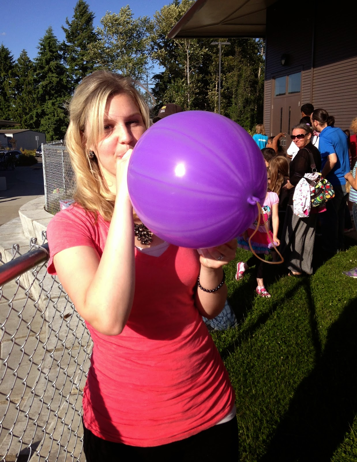 Looner from the south payton pops balloons 1