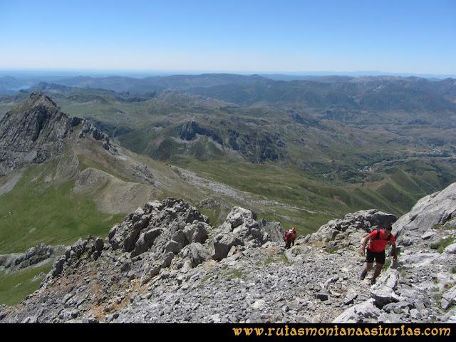 Ruta Tuiza de Arriba-Peña Ubiña: Llegando a la arista