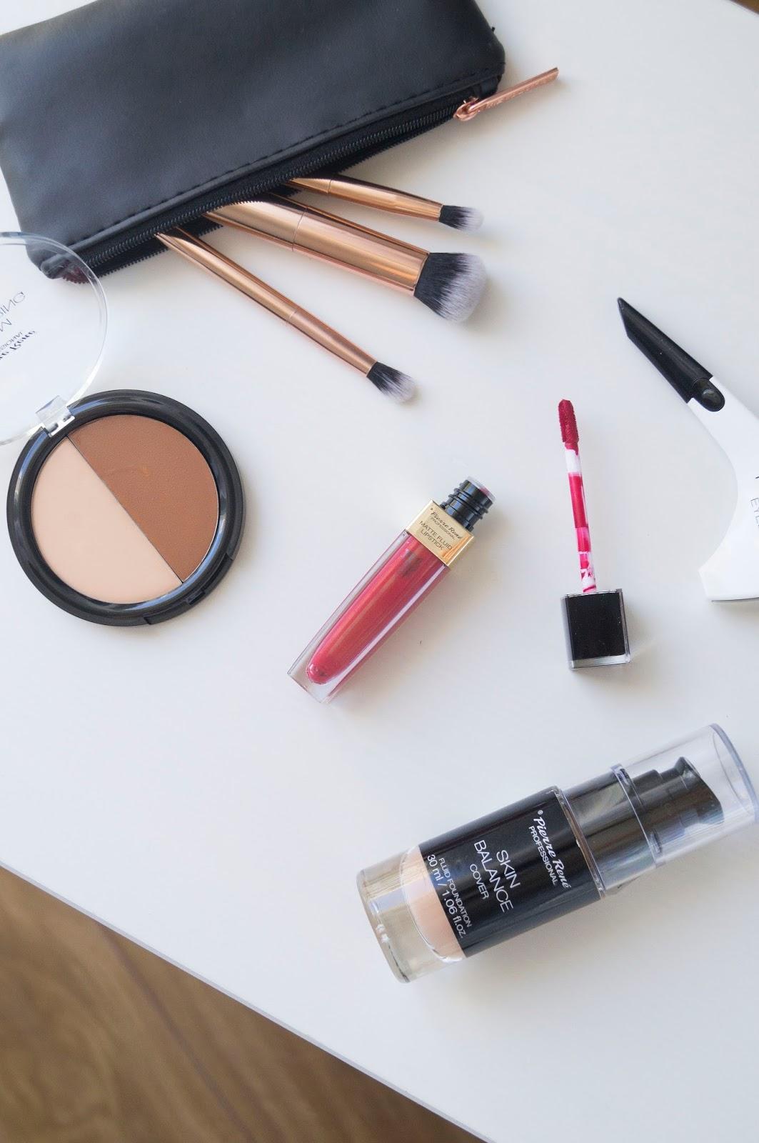 Czerwona, matowa pomadka do ust, pisak do oczu Hi-Tech oraz kremowa paleta do konturowania twarzy Cream Contouring - nowości kosmetyczne od Pierre Rene