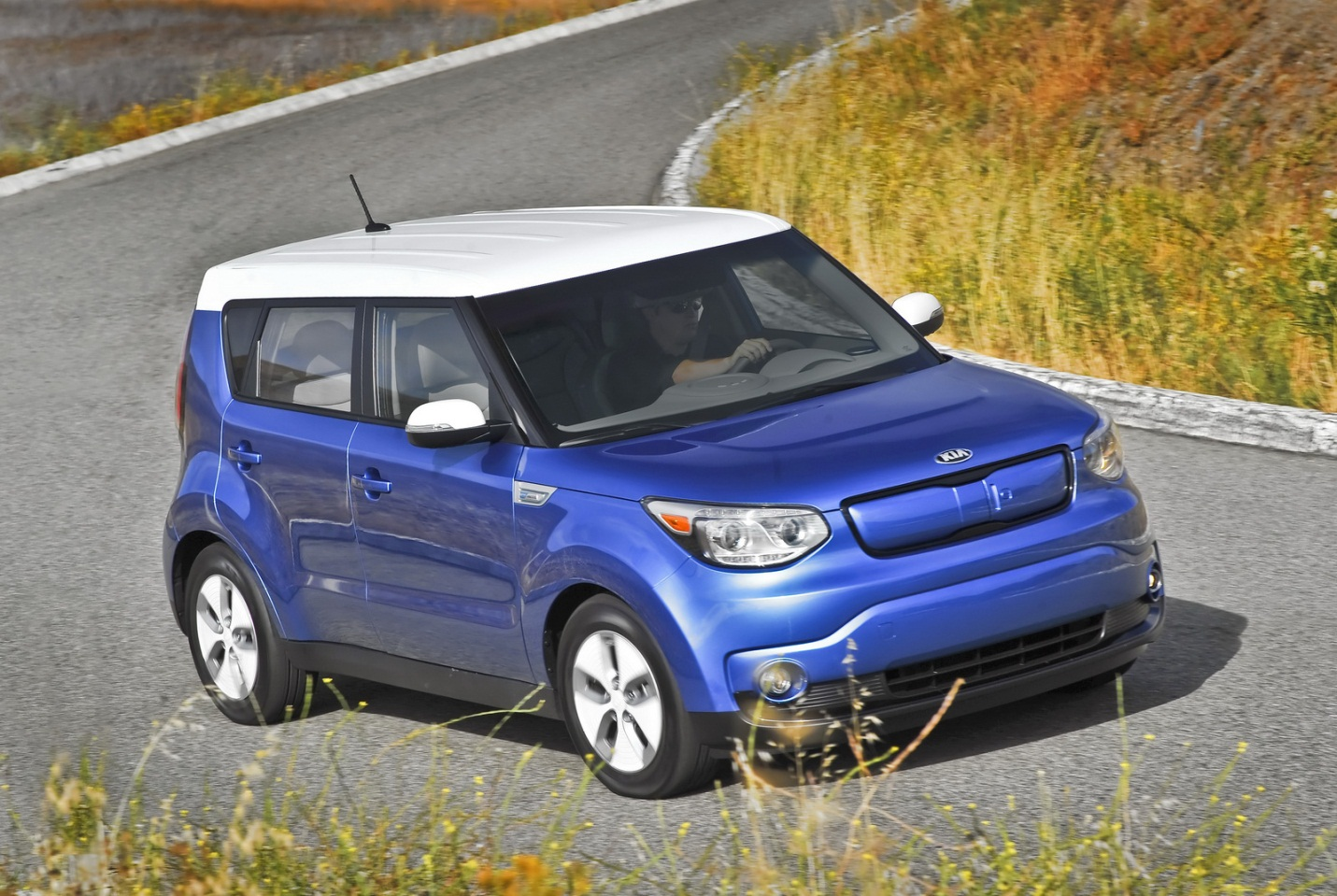 Kia Has Added A New Trim Level For The 2016 Soul Ev Which Lowers Price Of Vehicle By Us 2 000 There S Catch However E Model Is