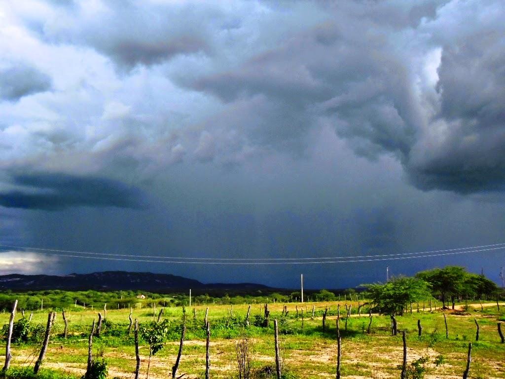 Resultado de imagem para fotos de chuvas no sertão nordestino