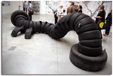ma poubelle est un jardin un pneu c 39 est bluffant et chauffant pour un enfant. Black Bedroom Furniture Sets. Home Design Ideas