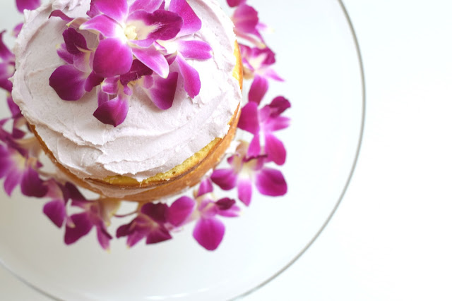 Lemon cake with a homemade lavender frosting recipe :And I mean, what is better than a delicious cake? A delicious cake with even more delicious icing, that's what.The combination of moist lemon cake with sweet lavender frosting is almost too good to be true!