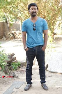 Vizhithiru Movie Press Meet Stills  0005.jpg
