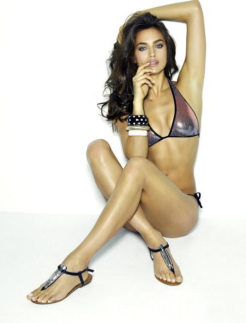 gorgeous Irina shayk sizzling hot in bikini