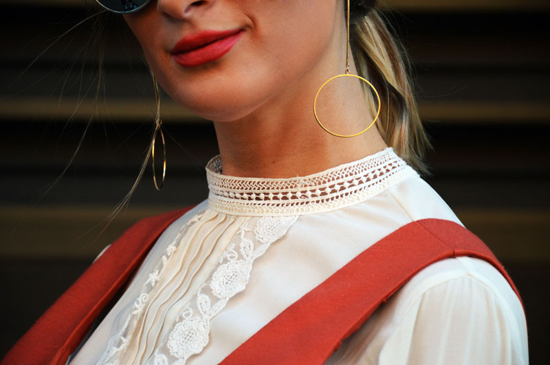 street style outfit details gold circle earrings mbfwa