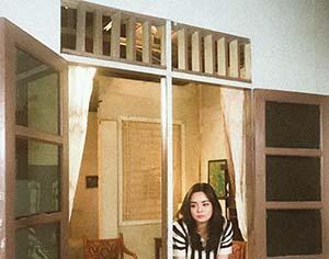 Gita Sinaga Di Rumah