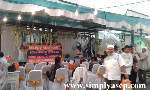 WALIMATUL URSY : Masjid Munzalan Serdam juga bisa dimanfaatkan untuk keperluan jamaah melangsungkan walmatul ursy. Foto Asep Haryono