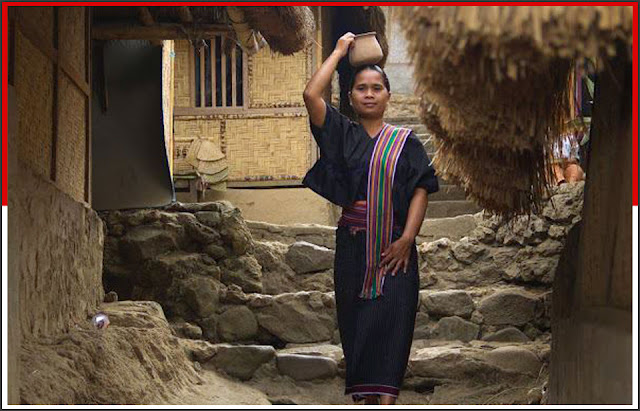 Gambar Pakaian Adat Lambung Wanita NTB