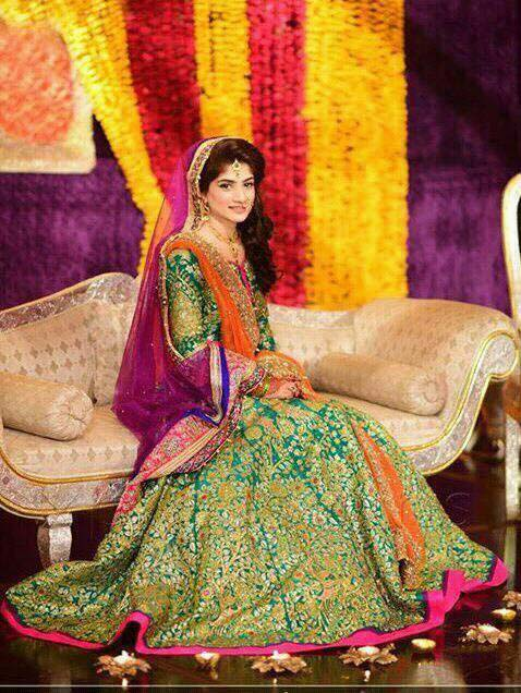 New designs of mehndi dresses images