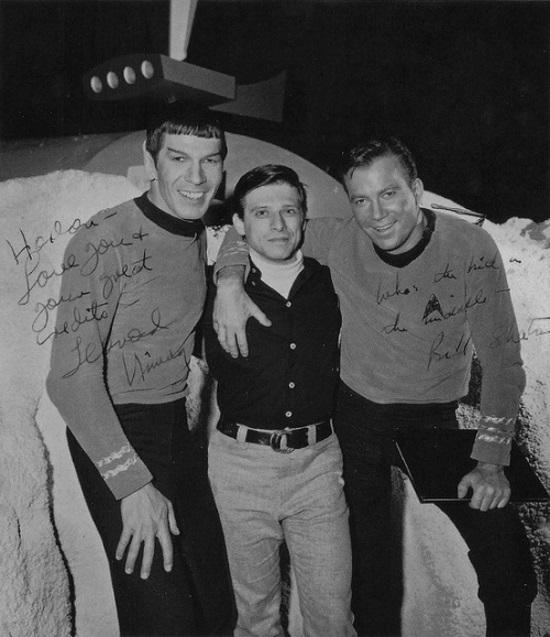 Leonard Nimoy y William Shatner junto a Harlan Ellison