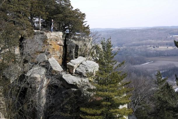 Wisconsin Gibraltar Rock, Okee