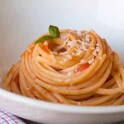 Špageti sa paradajzom