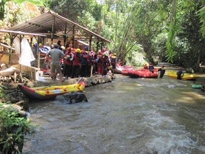 Paket Rafting Kalibaru Sentul Bogor