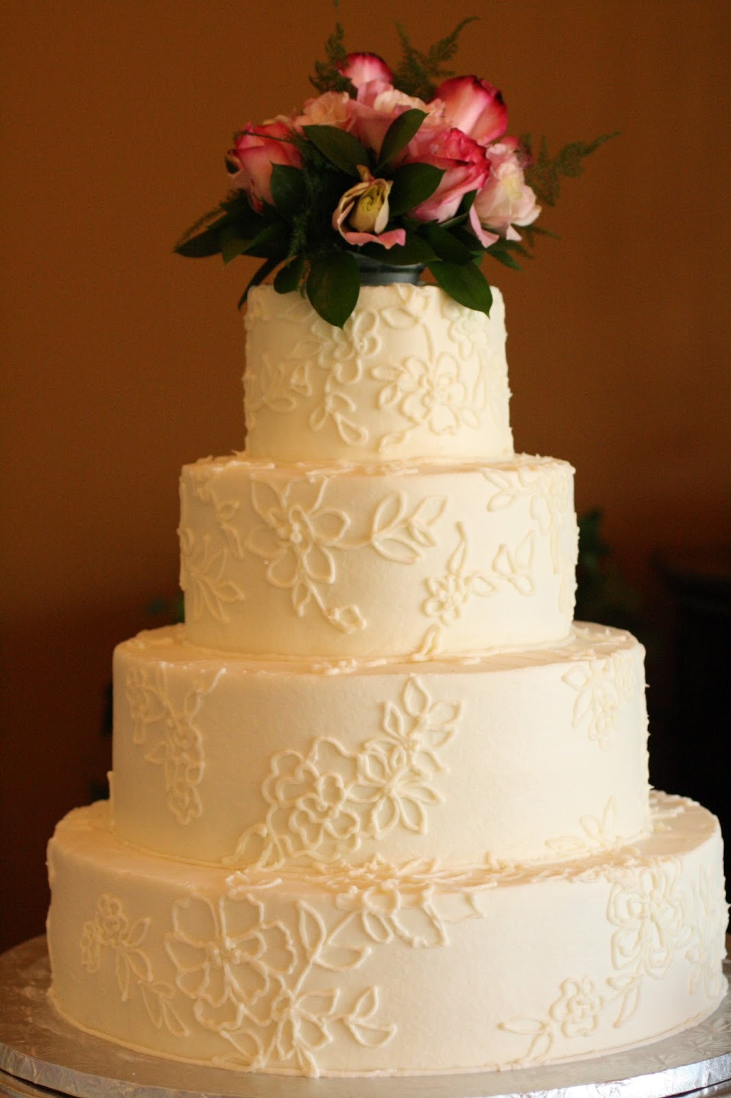 Piped Lace Wedding Cakes