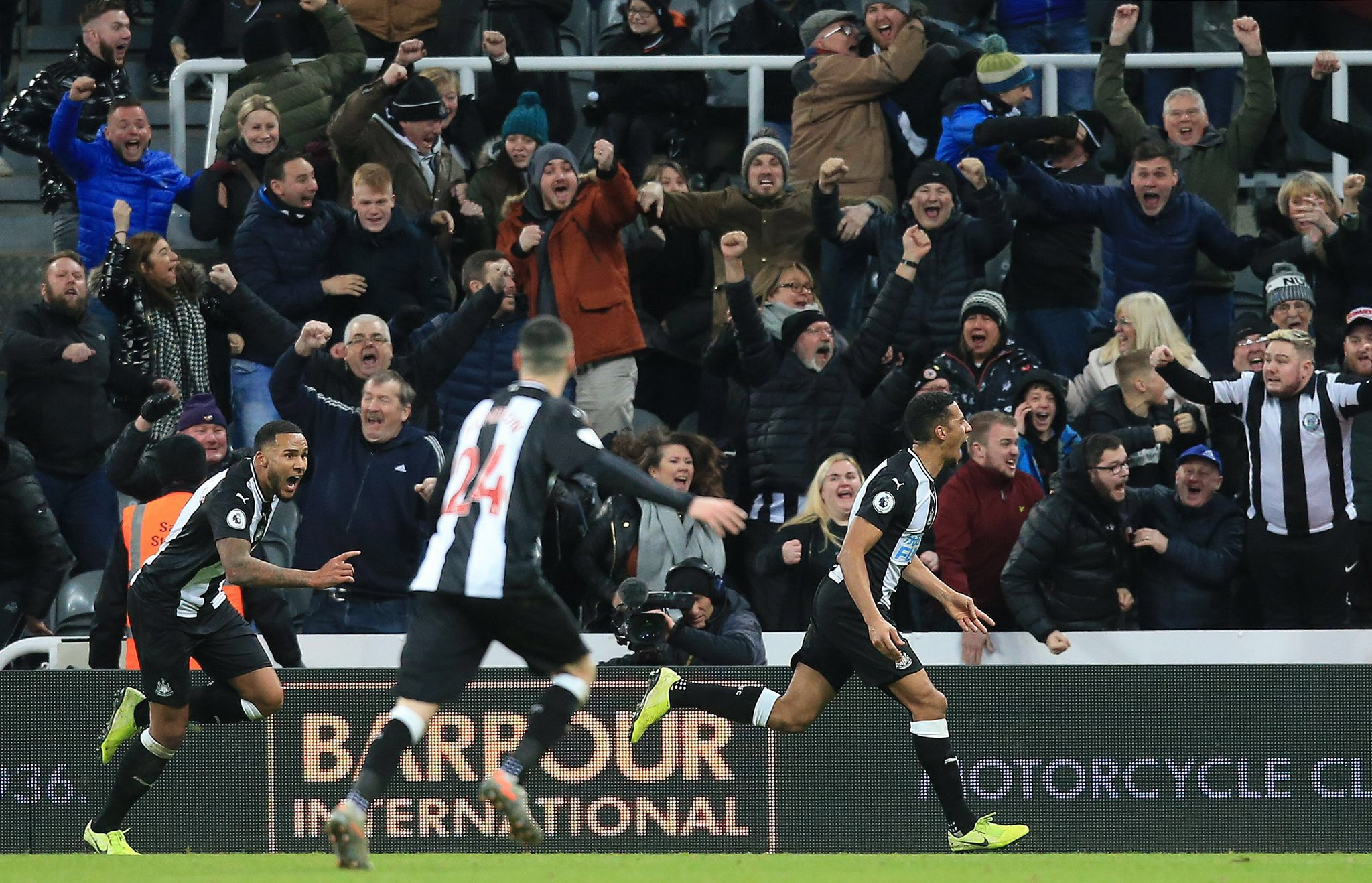 Isaac Hayden of Newcastle United celebrates after scoring a late winner against Chelsea on January 18, 2020 in Newcastle, England