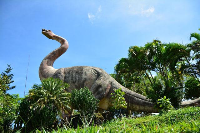Taman Dinosaurus Buana Marga