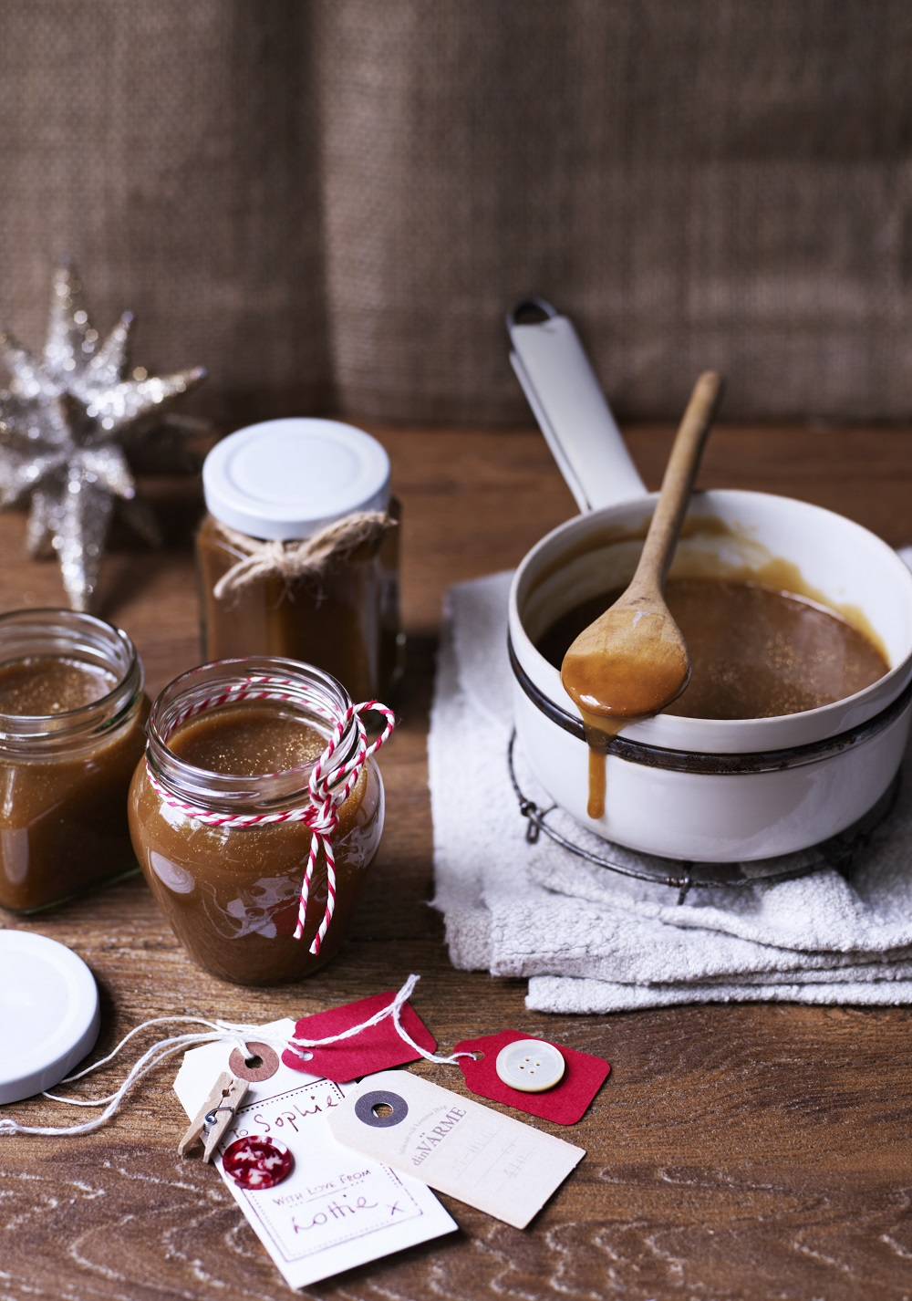 How To Make Glittered Caramel Sauce