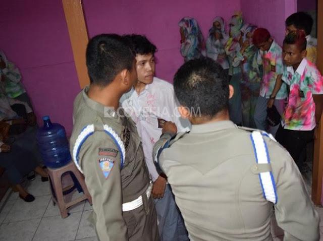 Asyik Corat-Coret Baju, Puluhan Siswa di Padang Dicokok Polisi.