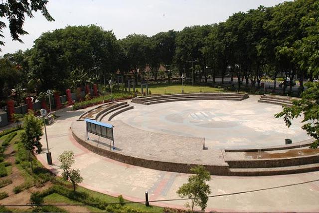 foto taman bungkul surabaya