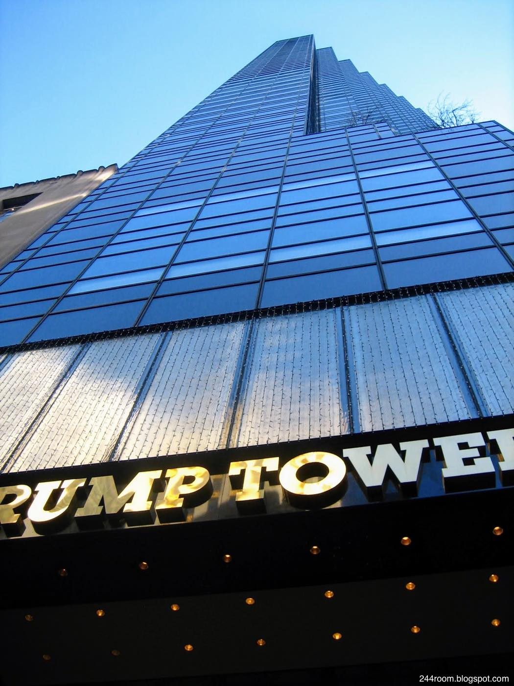 トランプタワー全景 TRUMP TOWER