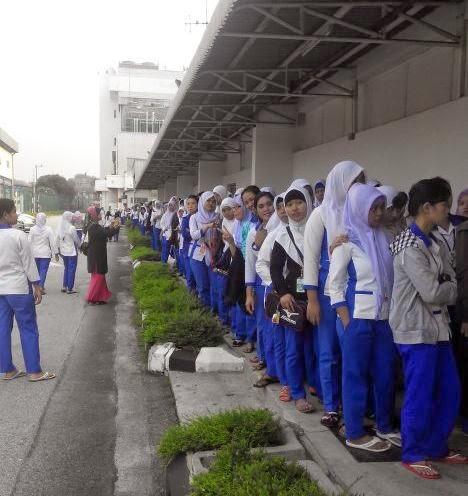 Antrian Panjang TKI Saat Pemilu di Malaysia, PKS Mendominasi